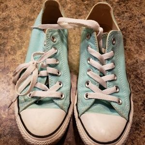 Aqua size 7 converse shoes
